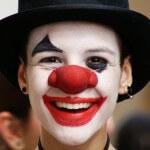 Мим-клоун